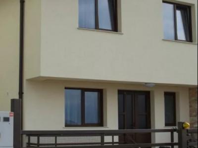 Casa, tip duplex de inchiriat in cartierul Europa