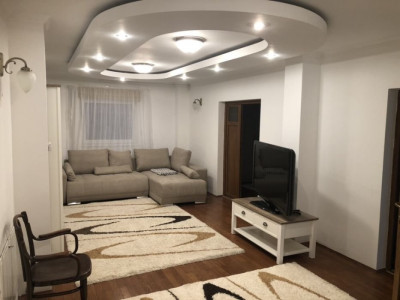 De inchiriat apartament in vila pe Republicii