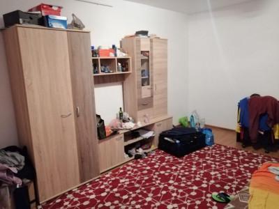 Apartament cu doua camere zona strazii Parang