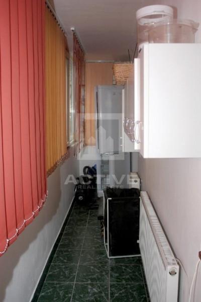 Apartament mobilat si utilat - 2 camere