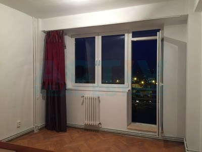 Apartament 3 camere zona strazii Tasnad