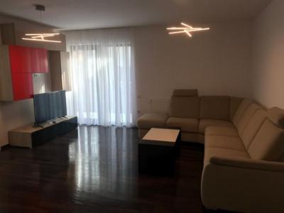 Apartament 4 camere in vila